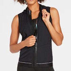 Fabletic warm up vest